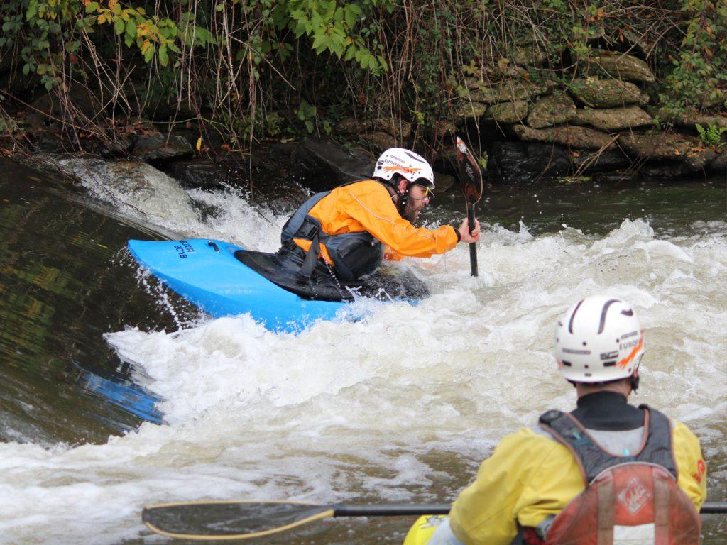 De Erft is een wildwaterparadijs voor kanoërs, kajakkers en freestylekajakkers.