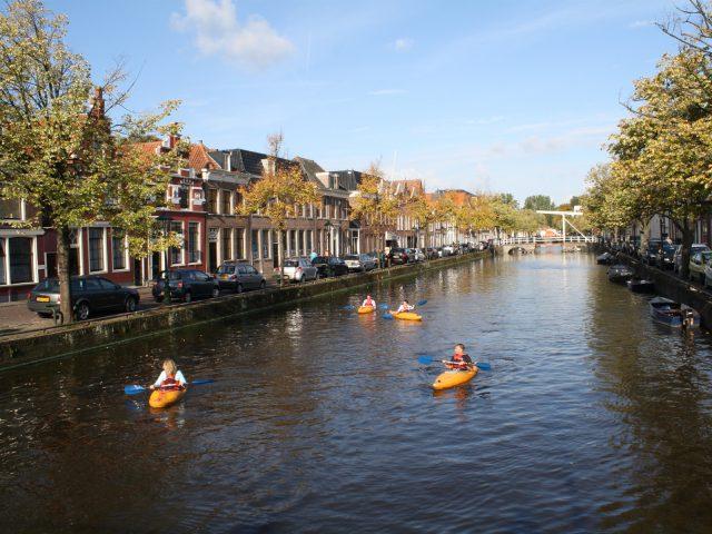 Kajakreizen in Grachtentocht Alkmaar
